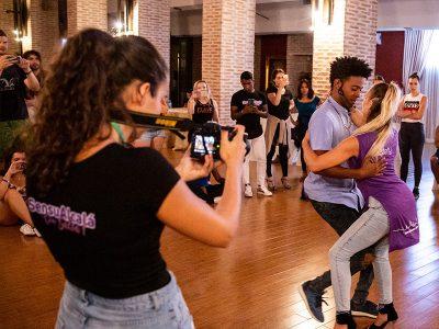 Academia de baile en Madrid, vídeo y fotografía de eventos de baile latino